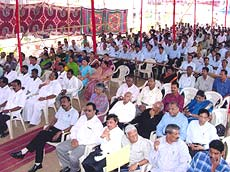 Beneficiaries and senior officials from the government were present on the occasion